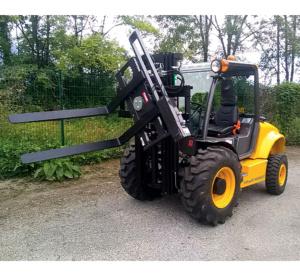 Chariot tout terrain diesel 2,5 T option retourneur Pallox