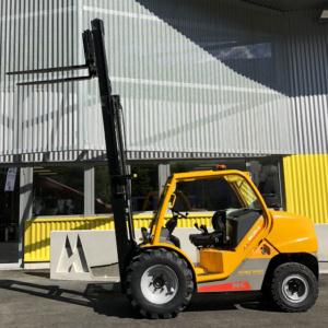 Chariot tout terrain diesel 2,5 T
